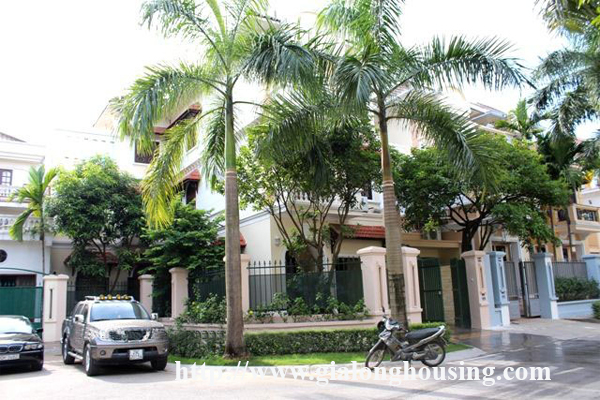 Nice and fully furnished villa in Ciputra for rent