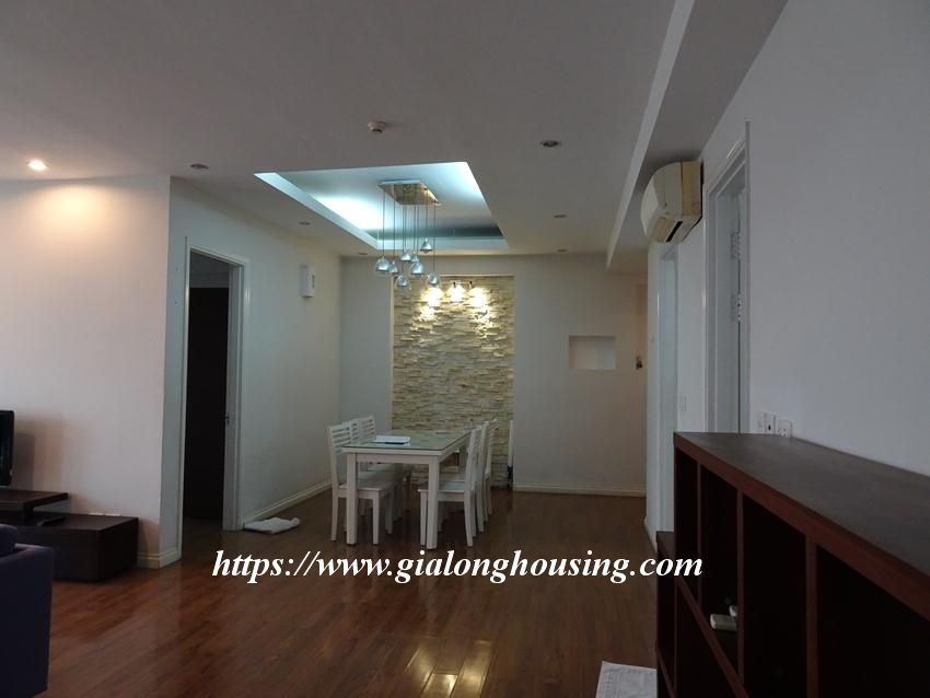 Ciputra: 4 bedroom apartment for rent in E5 building 1