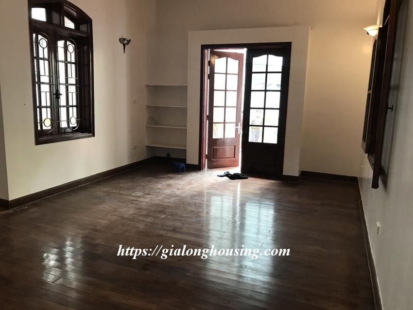 Unfurnished villa in 52 To Ngoc Van for rent 4