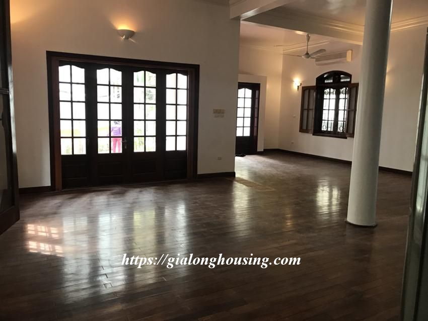 Unfurnished villa in 52 To Ngoc Van for rent 7