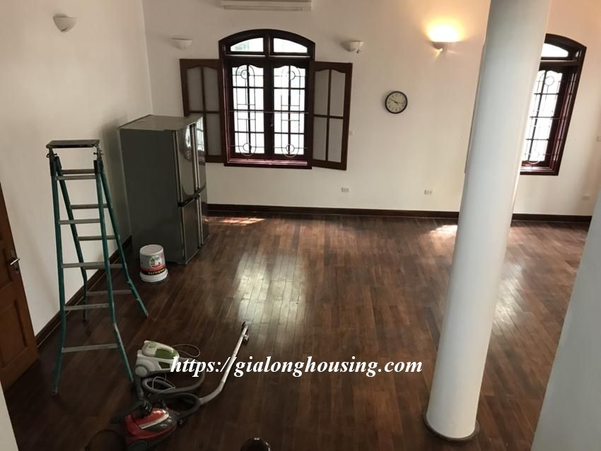 Unfurnished villa in 52 To Ngoc Van for rent 1
