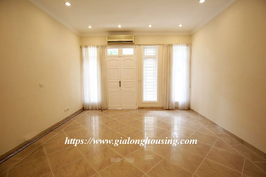Basic furnished villa in C block for rent 4