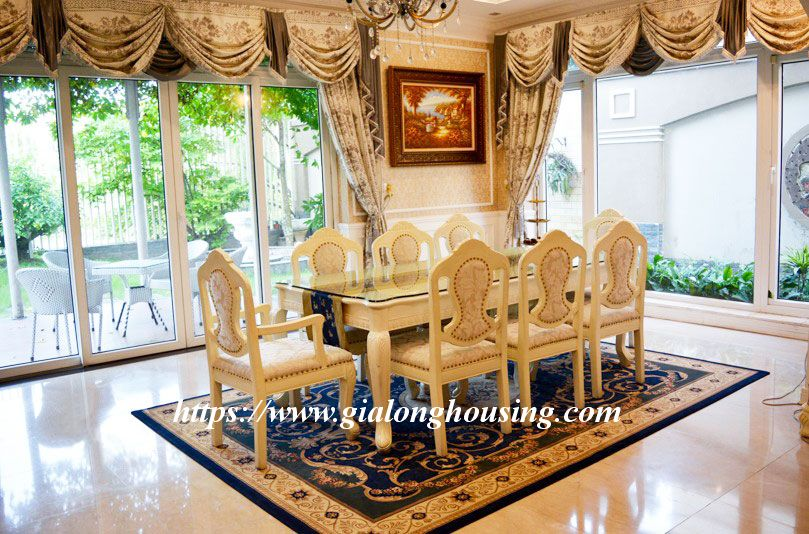 Big garden villa with royal style furniture for rent 9