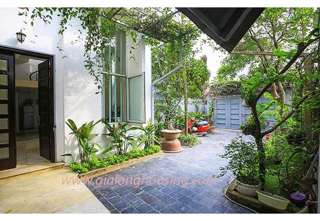 Nice garden house for rent in Lac Long Quan street, Tay Ho 3