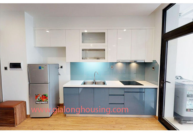 Bright apartment available for rent in M2 building, Vinhomes Metropolis 3