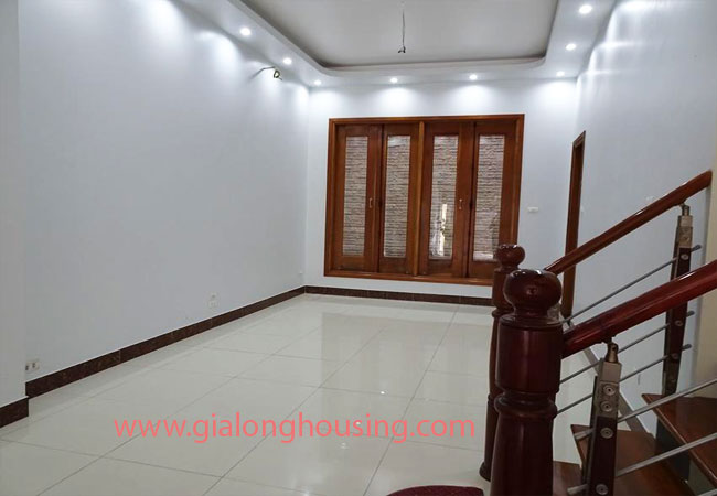 4 bedroom house surrounded by green living space for rent in Au Co, Tay Ho 3