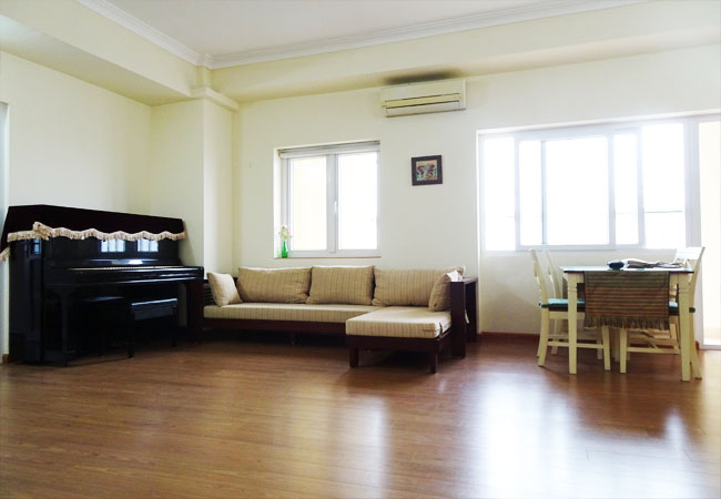 02 bedroom apartment for rent in cau Giay hanoi